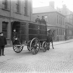 Ulsterfolk Transport On Twitter Horse Drawn Transport Was The Best Way To Get Around In The Early 1900s Even Prisoners Got To Ride This Wagon Is Pictured Outside The Police Courts Ric Detective