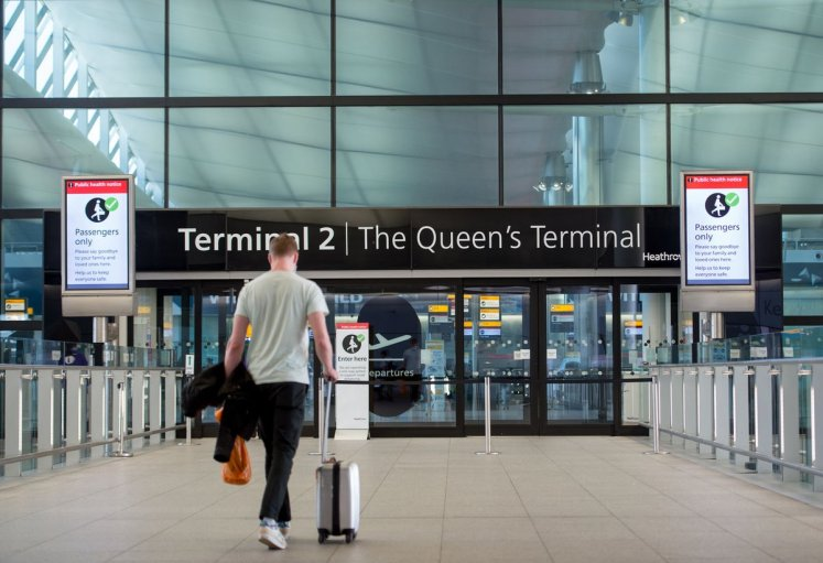 """Heathrow Airport on Twitter: """"To keep you informed, we are constantly  updating our FAQ page 👉 https://t.co/cCOklCeG0p. If you're due to travel  through Heathrow, as always, we recommend passengers to arrive 3"""