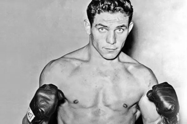 "Spyros Litsas on Twitter: ""Salamo Arouch, a young #GreekJew boxer of  #Aris_Thessalonikis' pre-WWII boxing team was sent to Auschwitz-Birkenau  together with thousands other Greek-Jews from Greece. He survived by being  forced to"