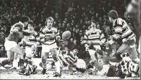 My great friend Steve Evans on the scoresheet & in the background there (with moustache). Really miss his warmth, humour & drinking capacity. Gone far too soon😢🏁 @hullfcofficial