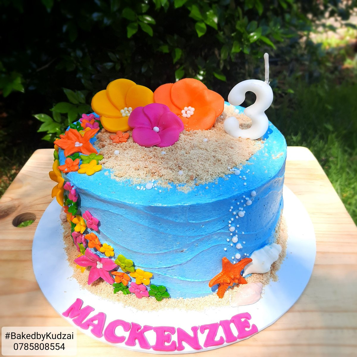Baked By Kudzai On Twitter The Request Was Simple Blue Cake With Bold Bright Flowers For A Hawaiian Themed Birthday Party Delivered By Acheteso Bakedbykudzai Deliveredbyachetesonline Https T Co 2w63nio0yk