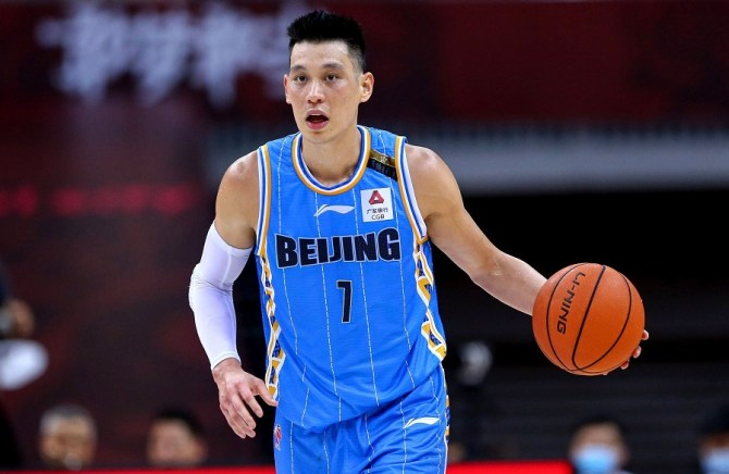 Source: Jeremy Lin wants to return to NBA and contenders are showing interest. Lin spent last year in China, averaging 22.3 PPG, 5.7 RPG, 5.6 APG.  Lin was recently spotted working out with Nets players (KD, Kyrie, LeVert, DJ) and Warriors players (Curry, Looney, Paschall, etc).