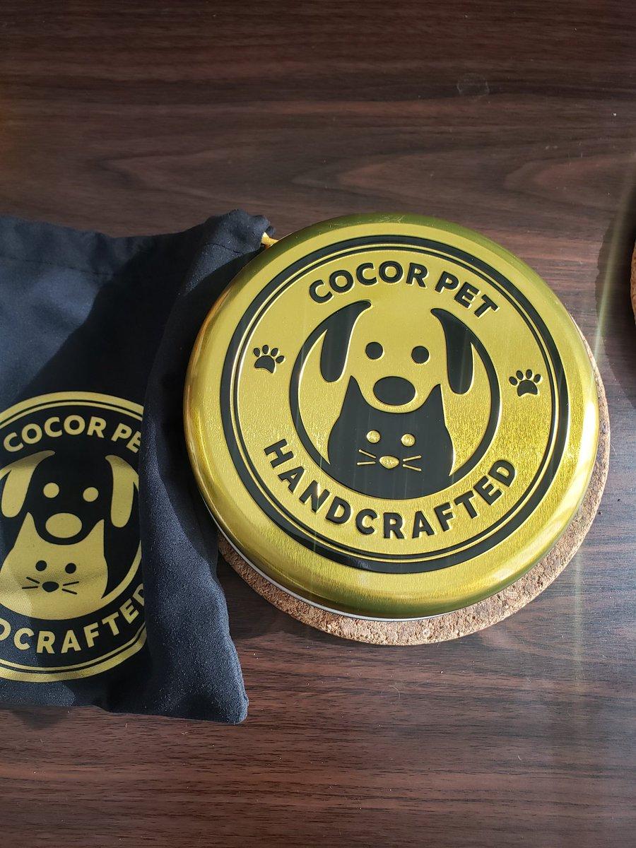 test ツイッターメディア - いぬのきもちで見たCOCOR PETの首輪。気になって検索したら一目惚れした首輪があったので愛犬に。 サイズもちゃんとはかったんだけど重さは見てなかった迂闊!! エルさんにはちょっと重いかな😓 柄がとても好み☺💕 缶の入れ物も可愛い♡  #首輪 #COCORPET #犬好きさんと繋がりたい #犬 https://t.co/H6wOZuo6lH