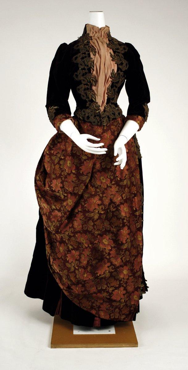 Walking dress, 1884 - the Met Museum, public domain.
