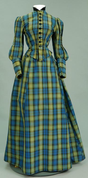 digital.library.unt.edu  - Day Dress, late 1800s.