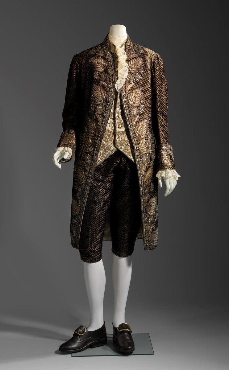 Man's court suit (breeches) 1785–92  - Boston MFA  Brown suit and jacket with ornate design of leaf embroidery
