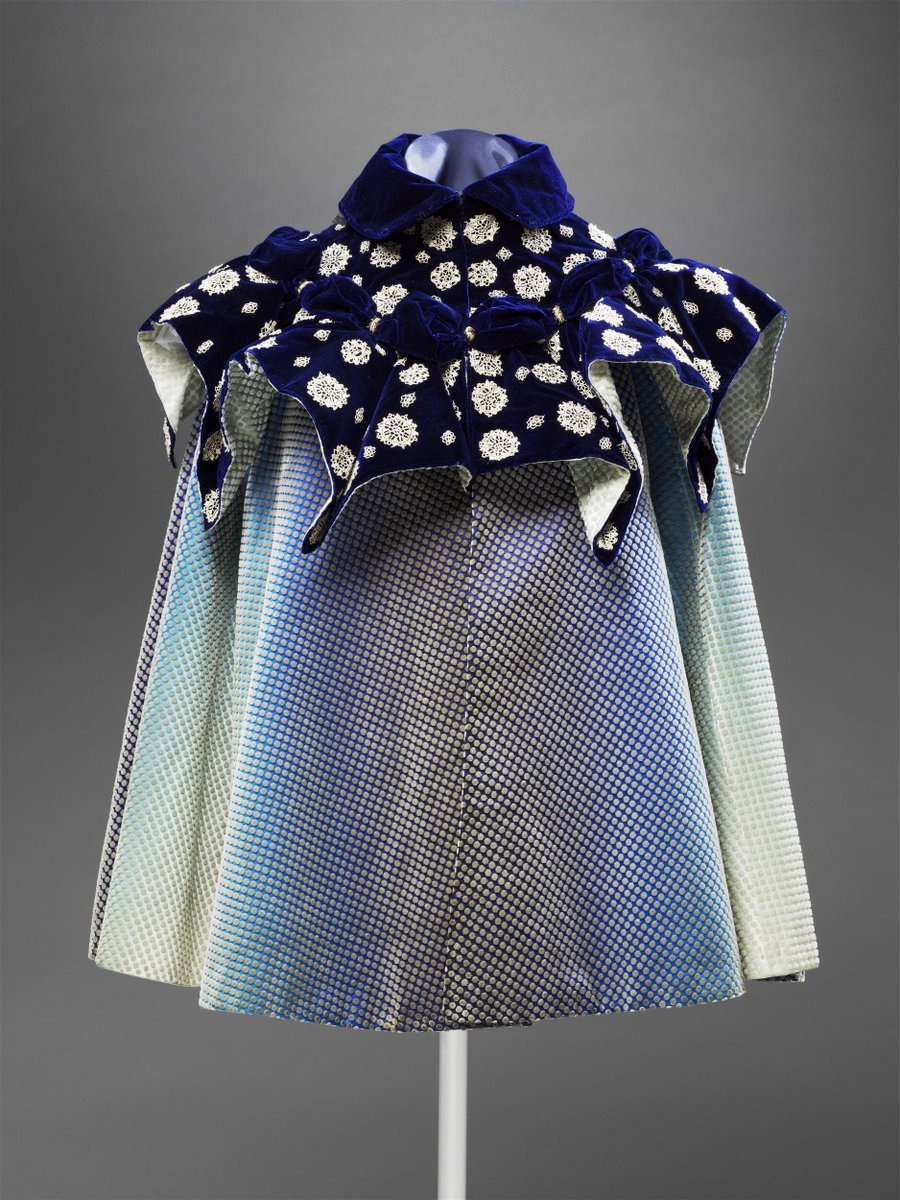 V&A Cloak - shimmery blue : Cloak ca. 1898 (made) -