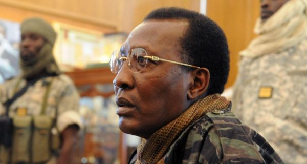 """José Lesra D. DESBROUGAH's tweet - """"Kabila père et fils, Déby père et fils,  Ouattara père et fils...pardon, les frères Ouattara.... Le pouvoir  politique en Afrique devient de plus en plus une"""