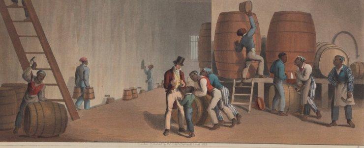 Das Bild zeigt das innere einer Destilliererei, in der Rum hergestellt wird. Es sind mehrere Sklaven zu sehen, die unterschiedlichen Arbeiten nachgehen oder sich unterhalten. Ein Weißer steht im Zentrum und unterhält sich mit einem schwarzen Buben.