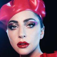 Lady Gaga (@ladygaga )