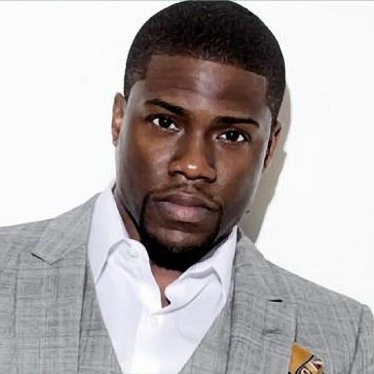 Kevin Hart Hospitalized After Suffering Major Back Injuries In Car