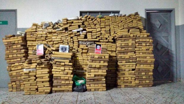 Resultado de imagem para Polícia desarticula um dos principais pontos de distribuição de drogas da Paraíba e apreende mais de uma tonelada de maconha