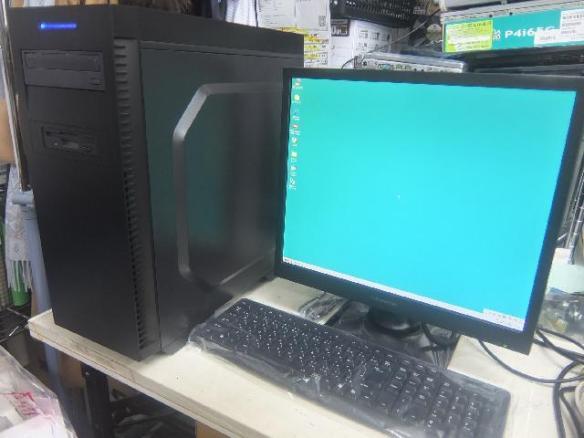 Windows98が動く新品パソコンの出来上がりです!