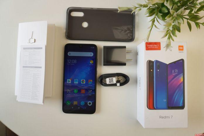 Redmi 7 Review- Box Contents