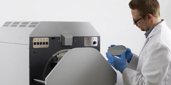 Spezial-Röntgenfluoreszenz-Messgeräte (XRF) zur Messung und Analyse von Schichtdicke und -zusammensetzung auf Wafern