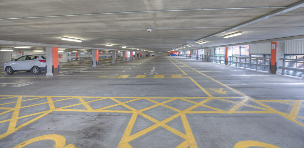 1,032 car parking spaces a suspended floor area of 27,700m²