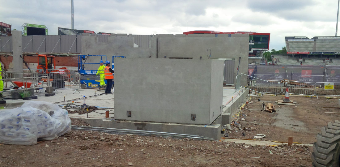 The hotel features two structural precast cores by PCE