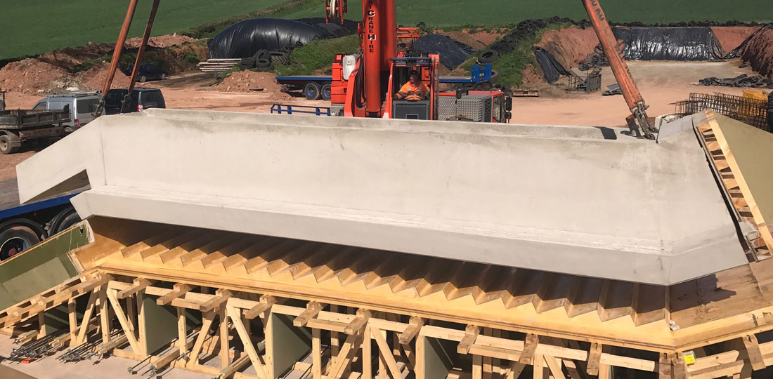 Offsite engineered precast concrete staircase unit