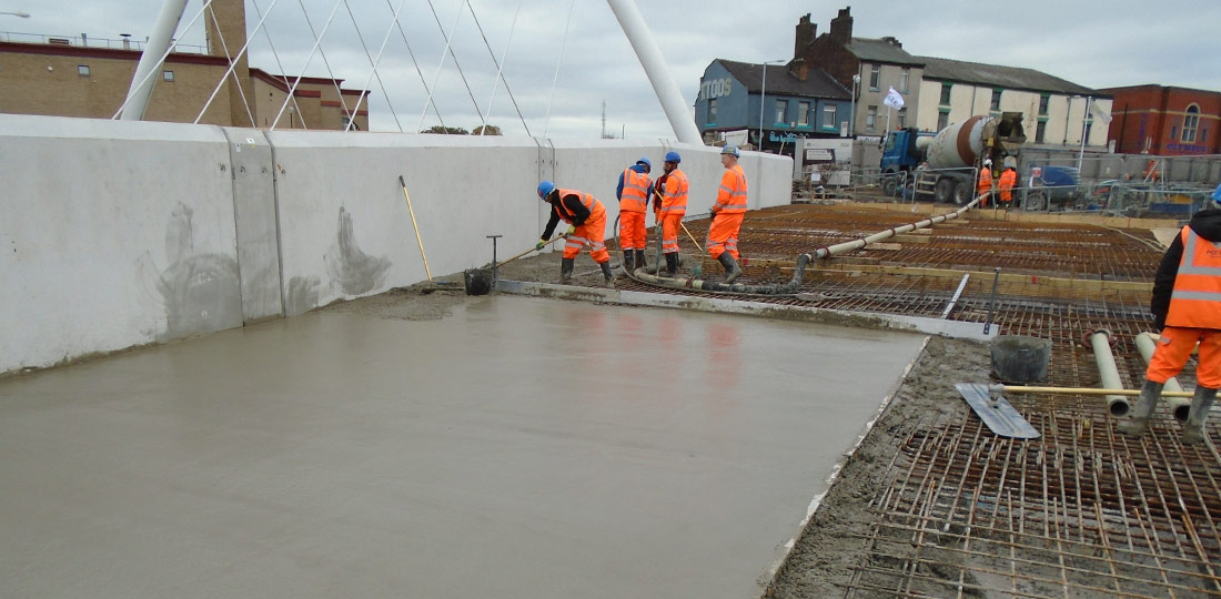 1400m³ of concrete topping was provided and poured during construction