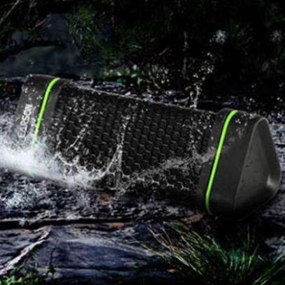 waterproof-shockproof-bluetooth-speaker-for-iphone-smartphone-device-6