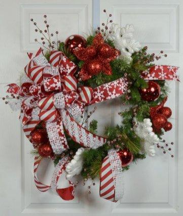 Winter_Whimsical_Snowflake_Door_Wreath_1024x1024