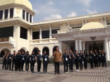 Foto bersama di Muzium Diraja (Istana Lama)