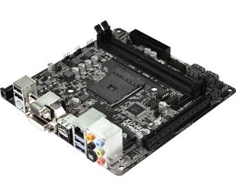 ASRockAMH ITX porty