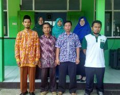 Guru (Staff Pendidik) dan Kepala Sekolah SD Muhammadiyah Bedoyo
