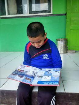 Membaca Membuka Jendela Dunia