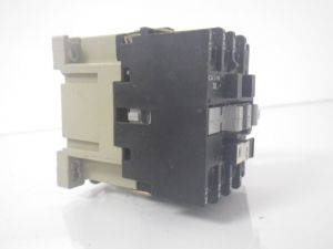 SPRECHER  SCHUH CA 31610 CA31610 motor starter w OL relay *USED AND TESTED*  Button & Relay