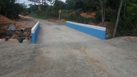 Ponte no bairro Sertão do Trombudo tem trânsito liberado