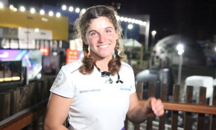 Barco com velejadora brasileira chega em terceiro na Volvo Ocean Race Itajaí
