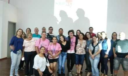 """Bibliotecários e profissionais da área participam da oficina """"Bibliotecas Públicas: conceitos e técnicas"""", em Porto Belo"""