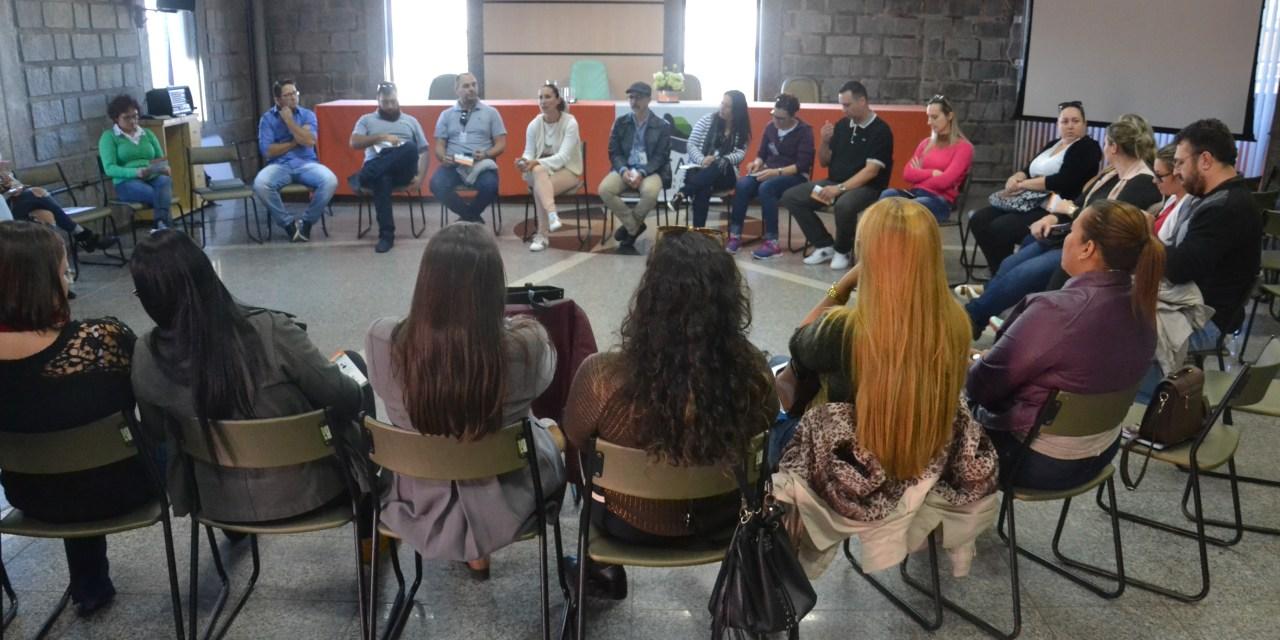 Secretaria de Educação de Camboriú lança projeto Limpando o Óleo