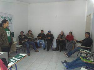 Agricultores participam de curso de apicultura em Itapema