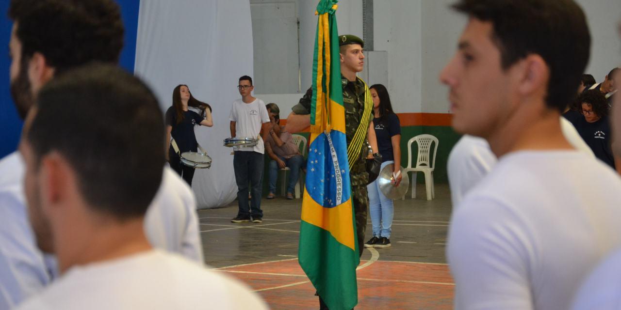 Jovens que completam 18 anos em 2019 devem se alistar para servir o Exército Brasileiro