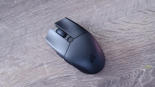 CORSAIR KATAR PRO Wireless Gaming Mouse Review 2