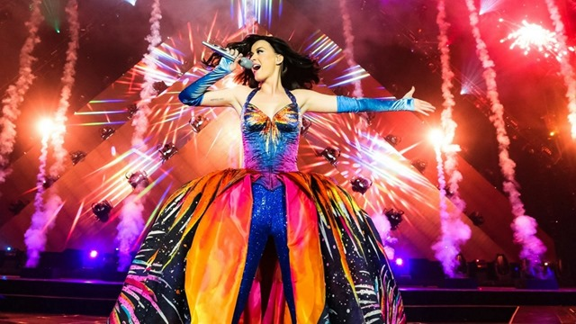 Katy_Perry_Prismatic_World_Tour_01