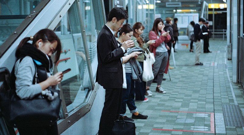 pad prodaje pametnih telefona kina