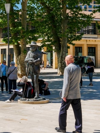 The statue of Paul Cezanne, in his late years