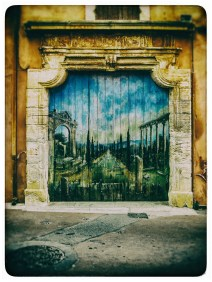 A fantastic mural in a small street in Rousillon