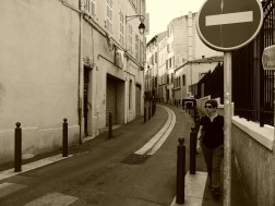 The narrow and winding streets of the Pannier (#2) #streetphoto #sepia