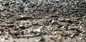 hissing pebbles