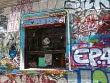 Paris - detail Rue Denoyez, Belleville