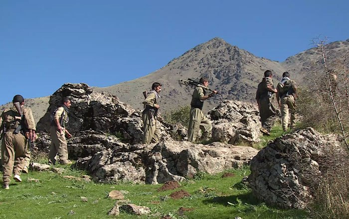 27 IRGC Members Killed and Injured in Clash with Peshmerga Forces