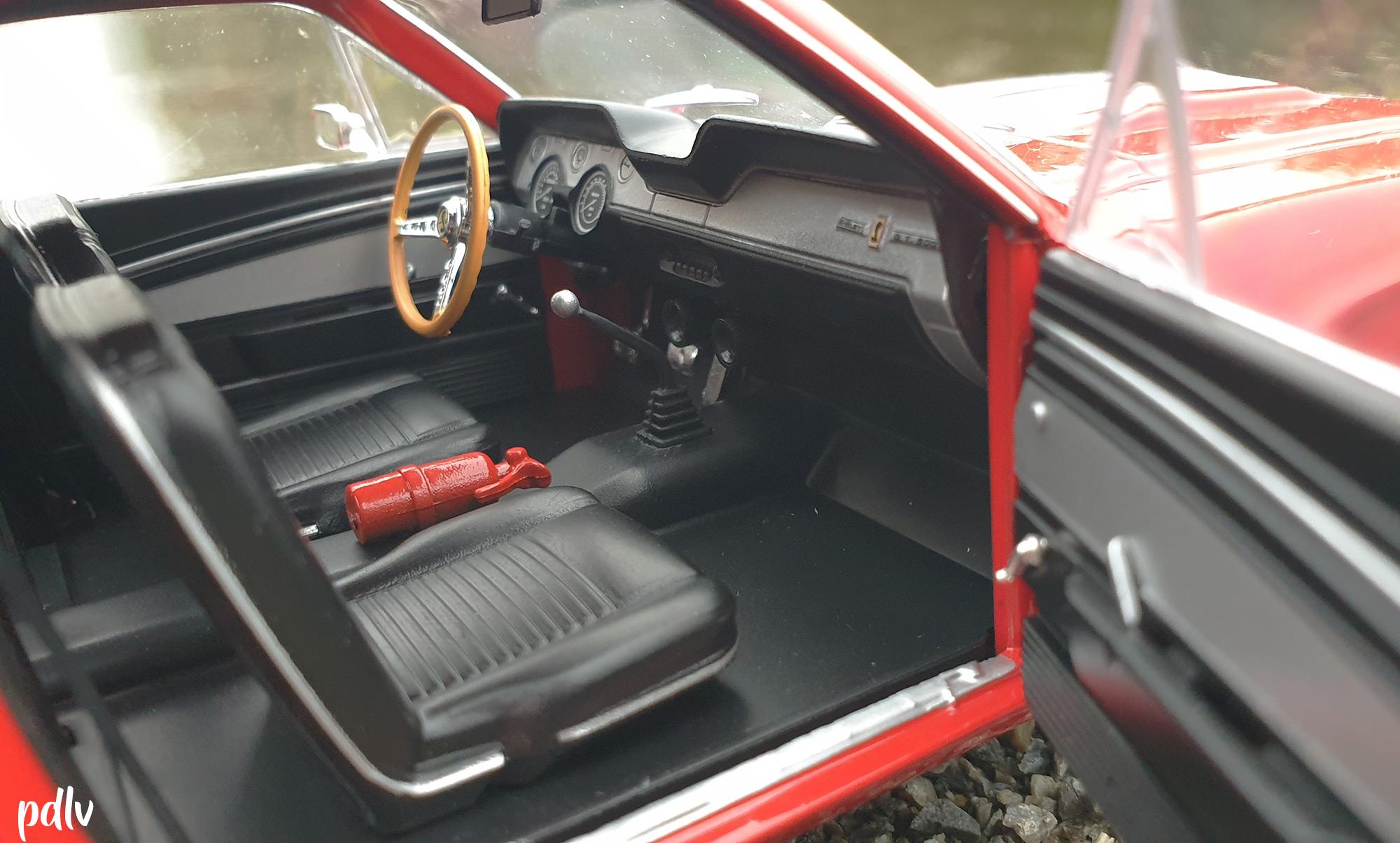 Shelby GT500 Solido S1802902 intérieur