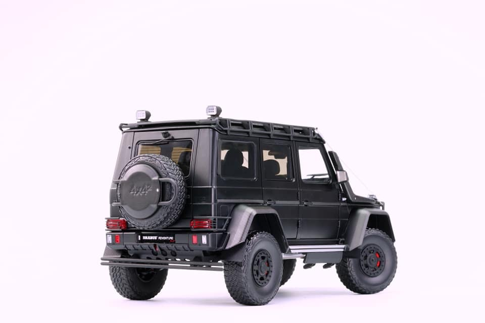 almost-real-brabus-550-adventure-arriere