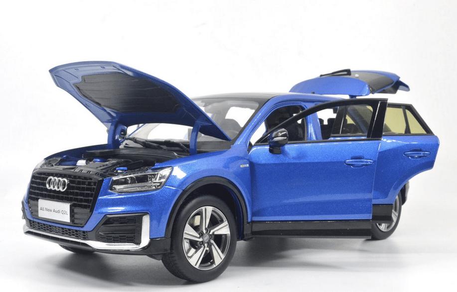 Audi Q2L Paudi bleu ouvrants 1/18