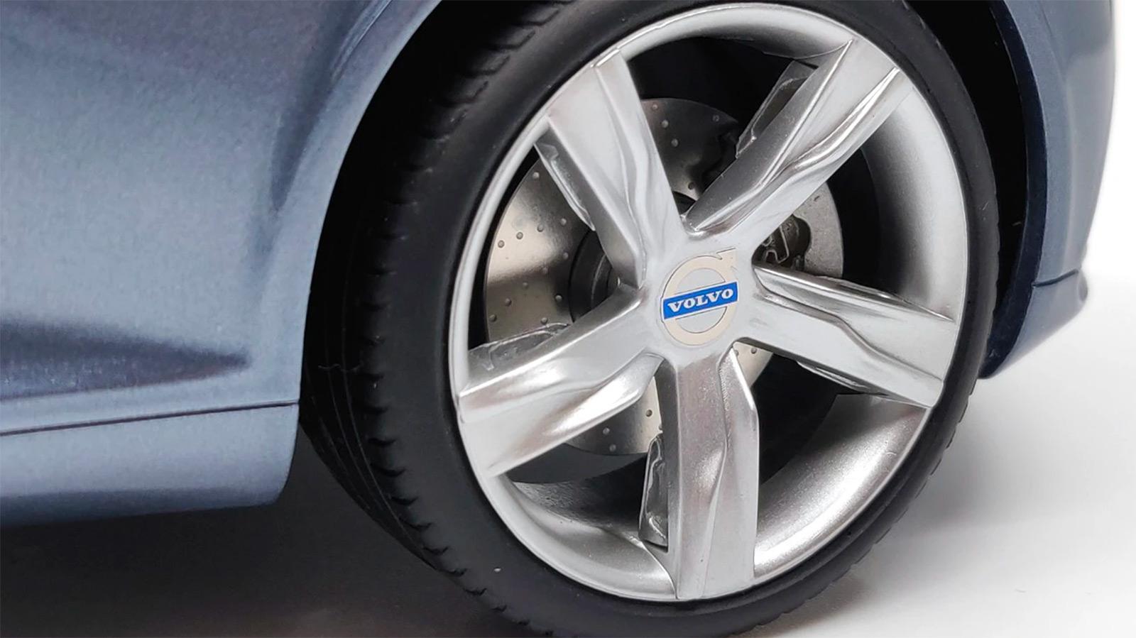 Jantes de la Volvo Concept Coupé DNA Collectibles 1/18