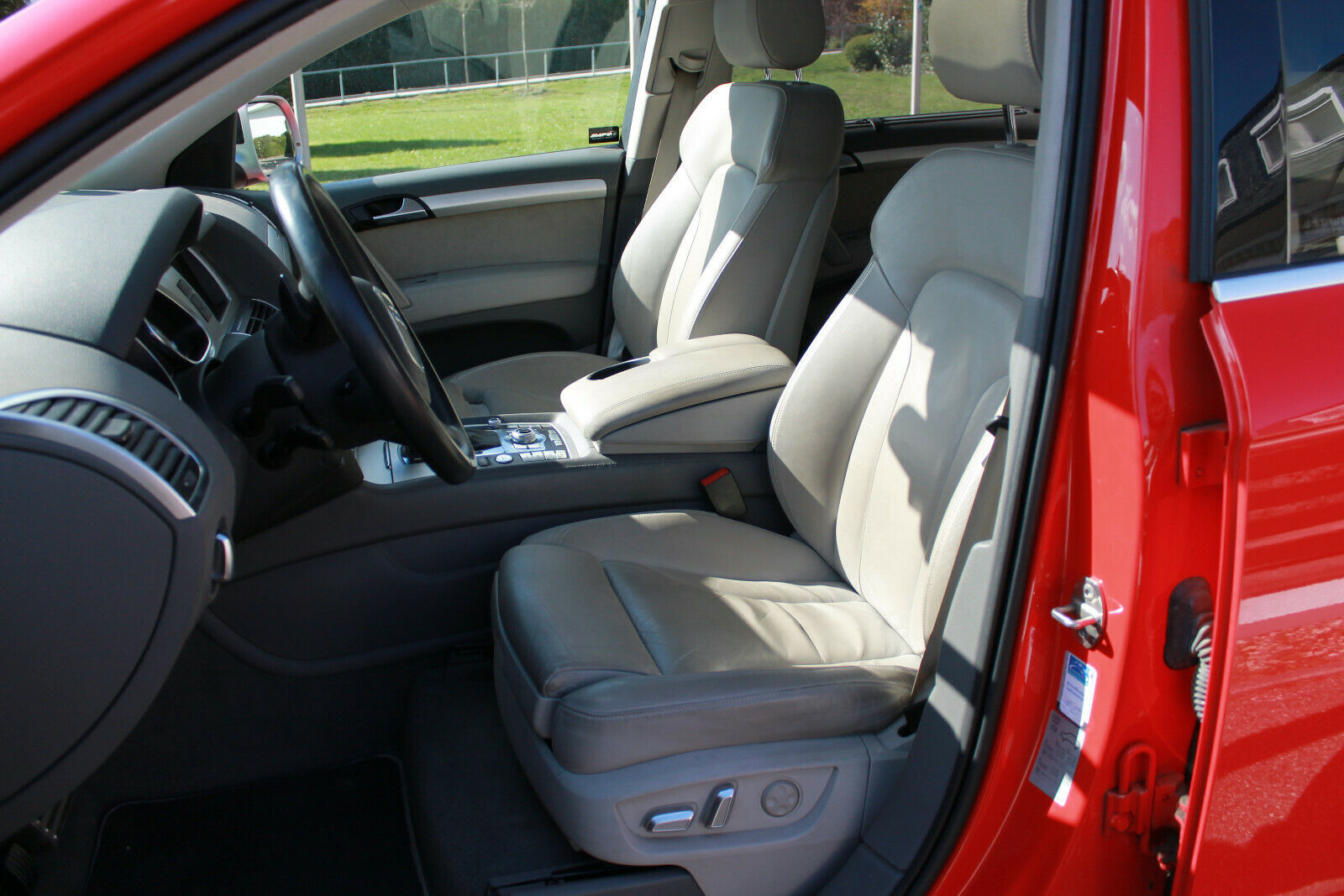 Audi Q7 V12 TDI sièges